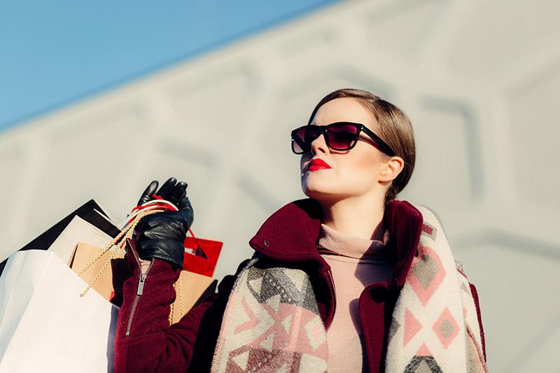 shopping alone tips medellin