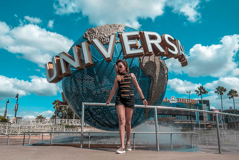 UNIVERSAL STUDIOS FASHION BLOGGER TRAVEL CARO SANTAMARIA COLOMBIAN FASHION BLOGGER