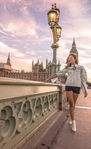 London - Traveling in Style - How to be stylish while exploring the world! Fashion Blogger Style Inspiration