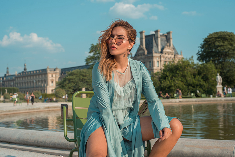 Colombian Fashion Blogger StreetStyle Paris Tuileries Garden Caro Santamaria caroseditorial1