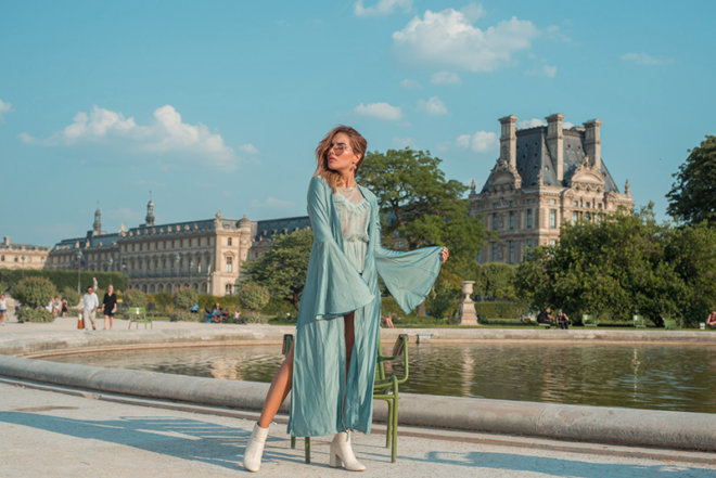 Colombian Fashion Blogger StreetStyle Paris Tuileries Garden Caro Santamaria caroseditorial2