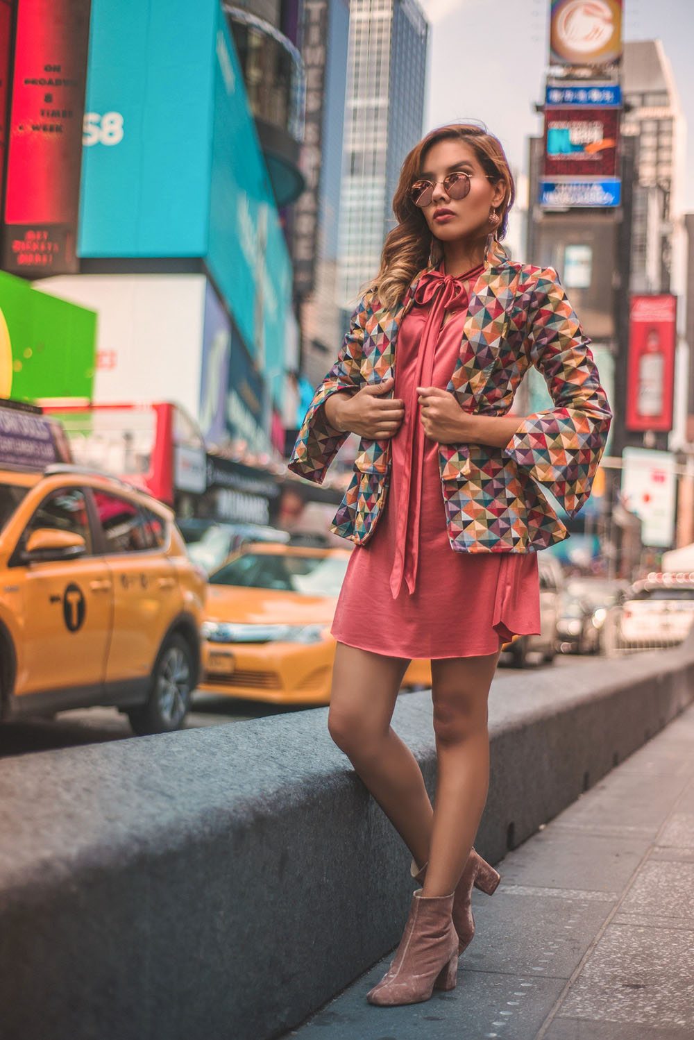 Time Square Fashion Blogger New York  @caroseditorial