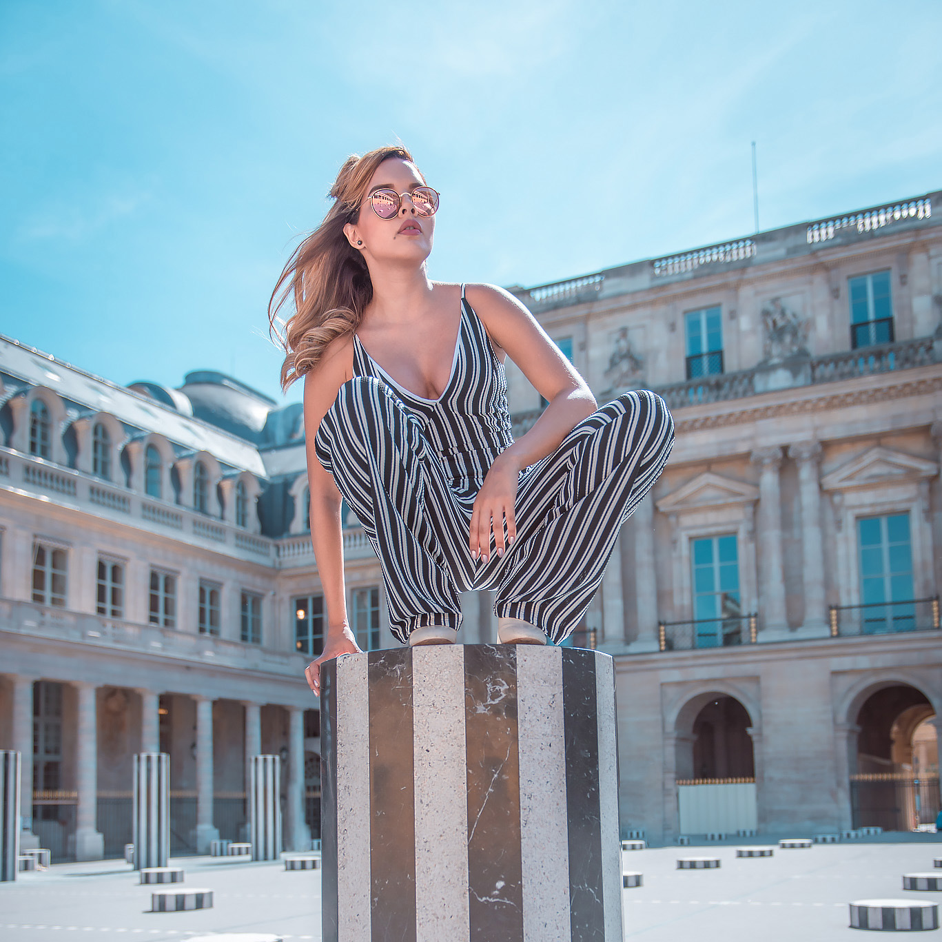 Fashion blogger Paris Palais Royal Photo