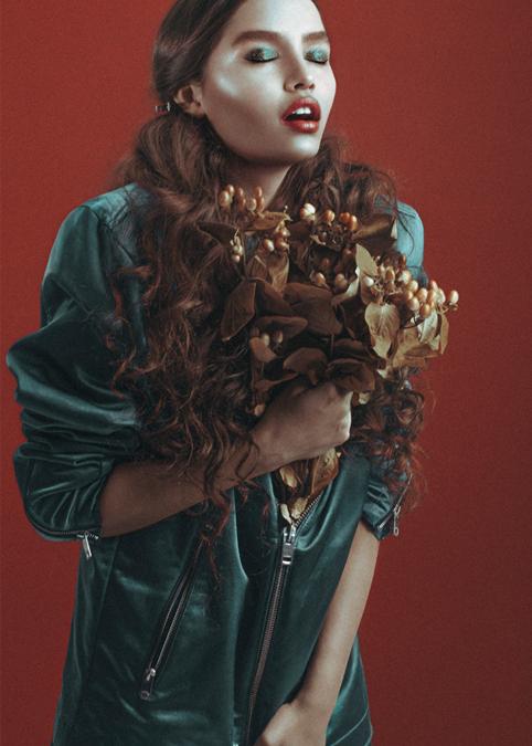 EDITORIAL TEAM  Photographer: Bita Cuartas  Hair and Makeup: Lina Botero  Model: Karen Cortez  Styling & Design: Caro Santamaría
