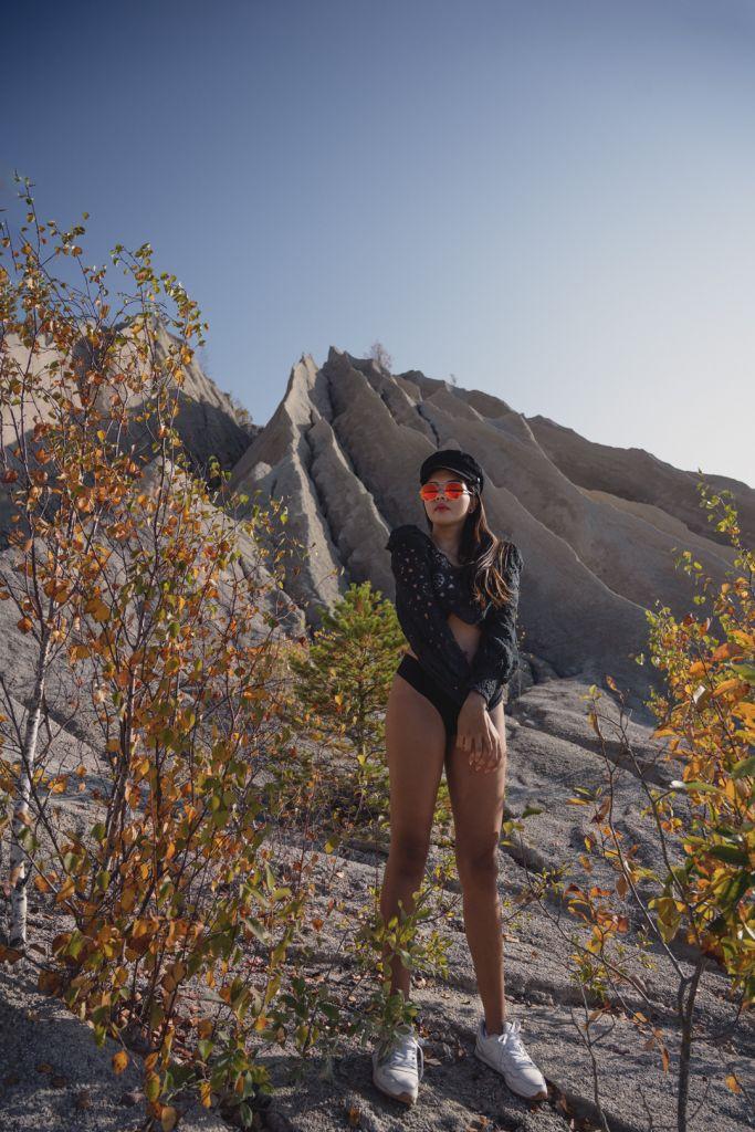 Model-photoshoot-rummu-quary-estonia nature